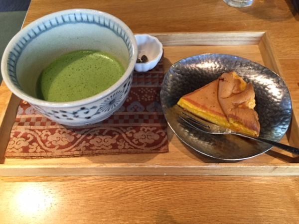 """The rare moister Castella made by """"Zenka Sho-in"""" in Kyoto"""