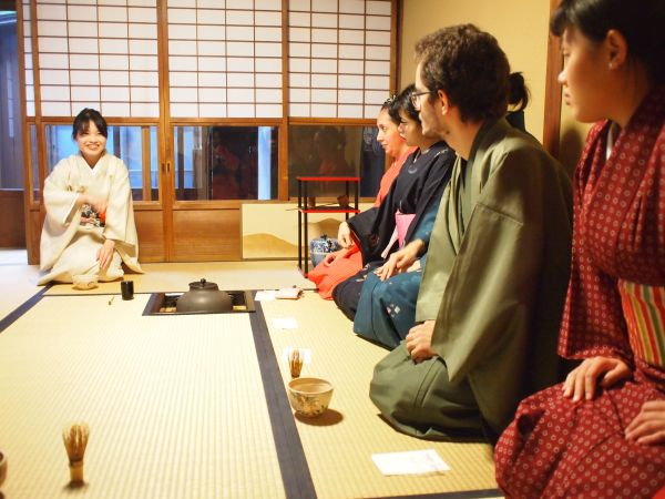 Kimono& Tea ceremony experience with Foreign students of Japanese language school!