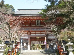 Kurama-dera_sanmon