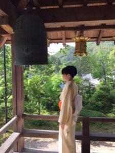 temple and kimono